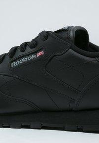 Reebok Classic - CLASSIC - Sneakers basse - black - 5