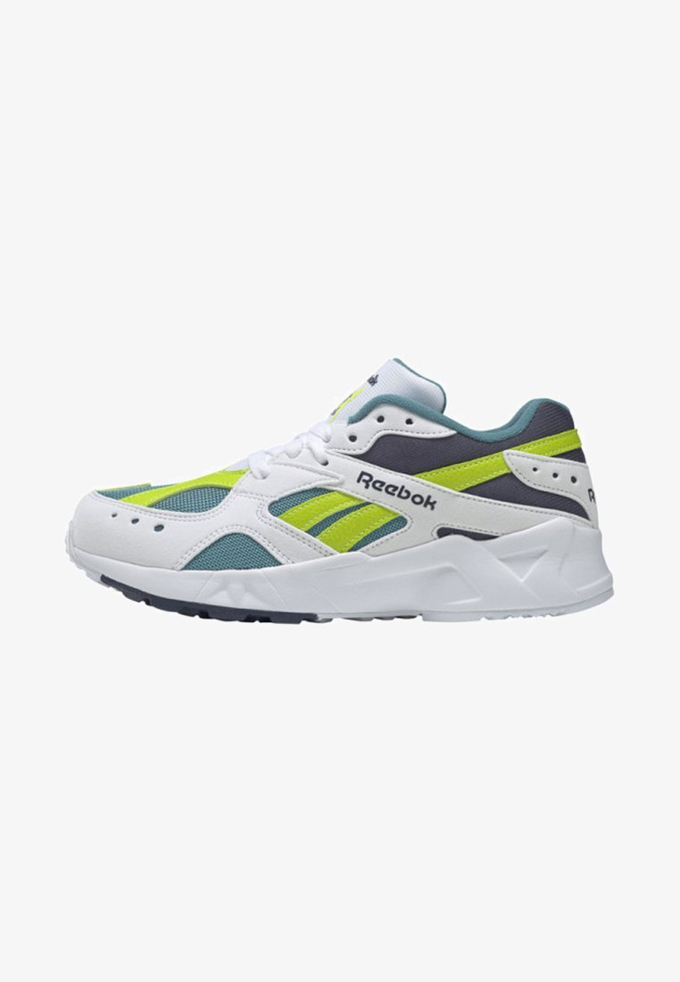 Reebok Classic - AZTREK X GIGI HADID - Sneaker low - white/blue