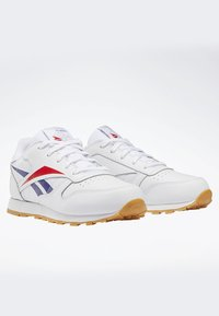 Reebok Classic - CLASSIC LEATHER SHOES - Matalavartiset tennarit - white - 2