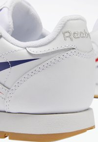 Reebok Classic - CLASSIC LEATHER SHOES - Matalavartiset tennarit - white - 7