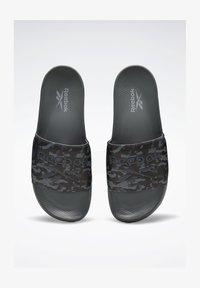 Reebok Classic - REEBOK CLASSIC SLIDES - Sandali da bagno - grey - 1