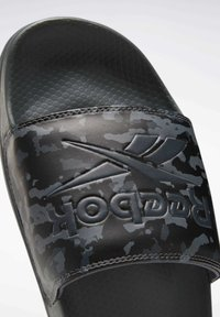 Reebok Classic - REEBOK CLASSIC SLIDES - Sandali da bagno - grey - 9