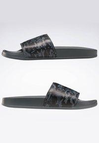 Reebok Classic - REEBOK CLASSIC SLIDES - Sandali da bagno - grey - 6