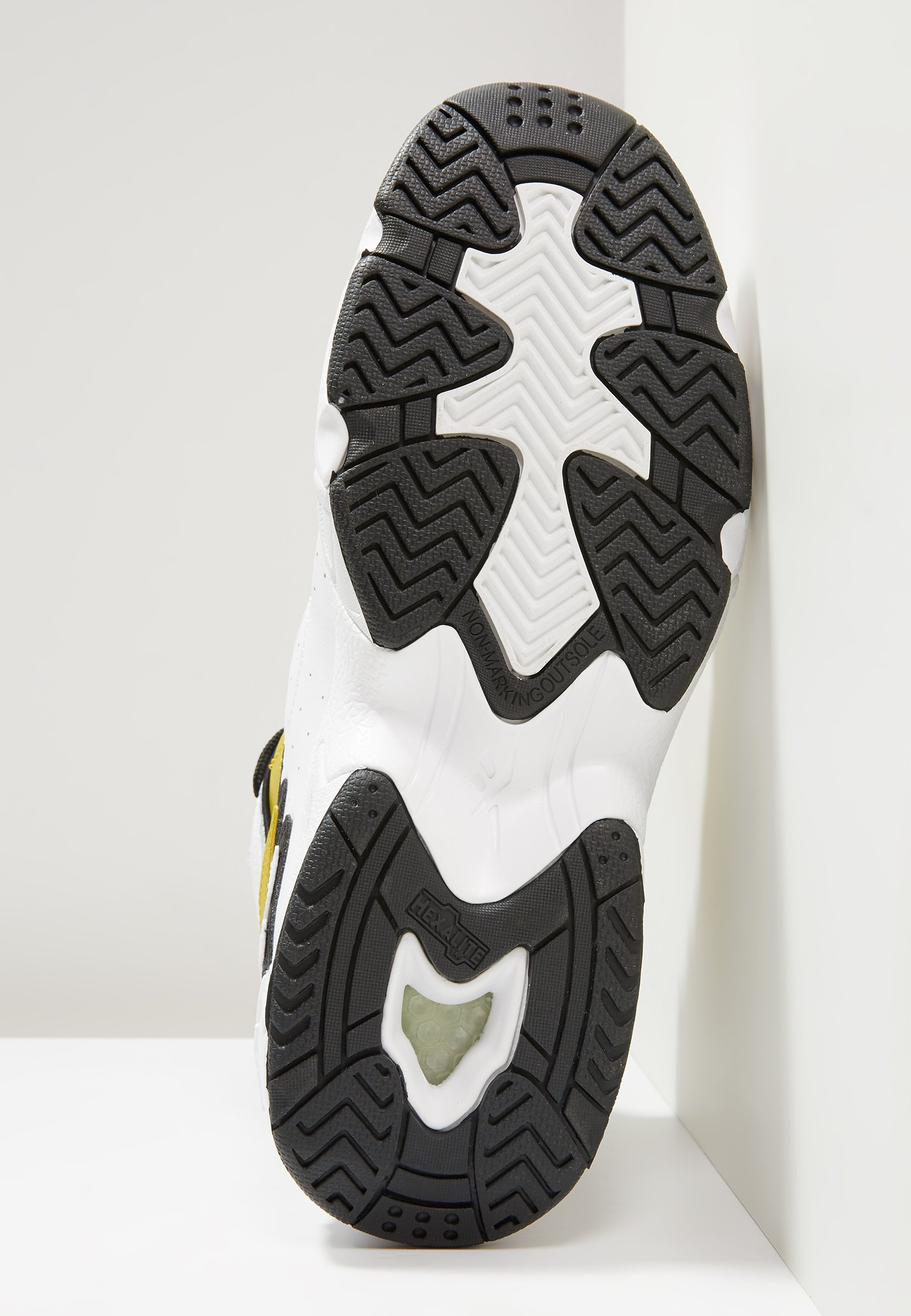Reebok Classic AVANT GUARD TRANSITION BRIDGE SHOES - Sneakersy wysokie - white/gold metallic/black