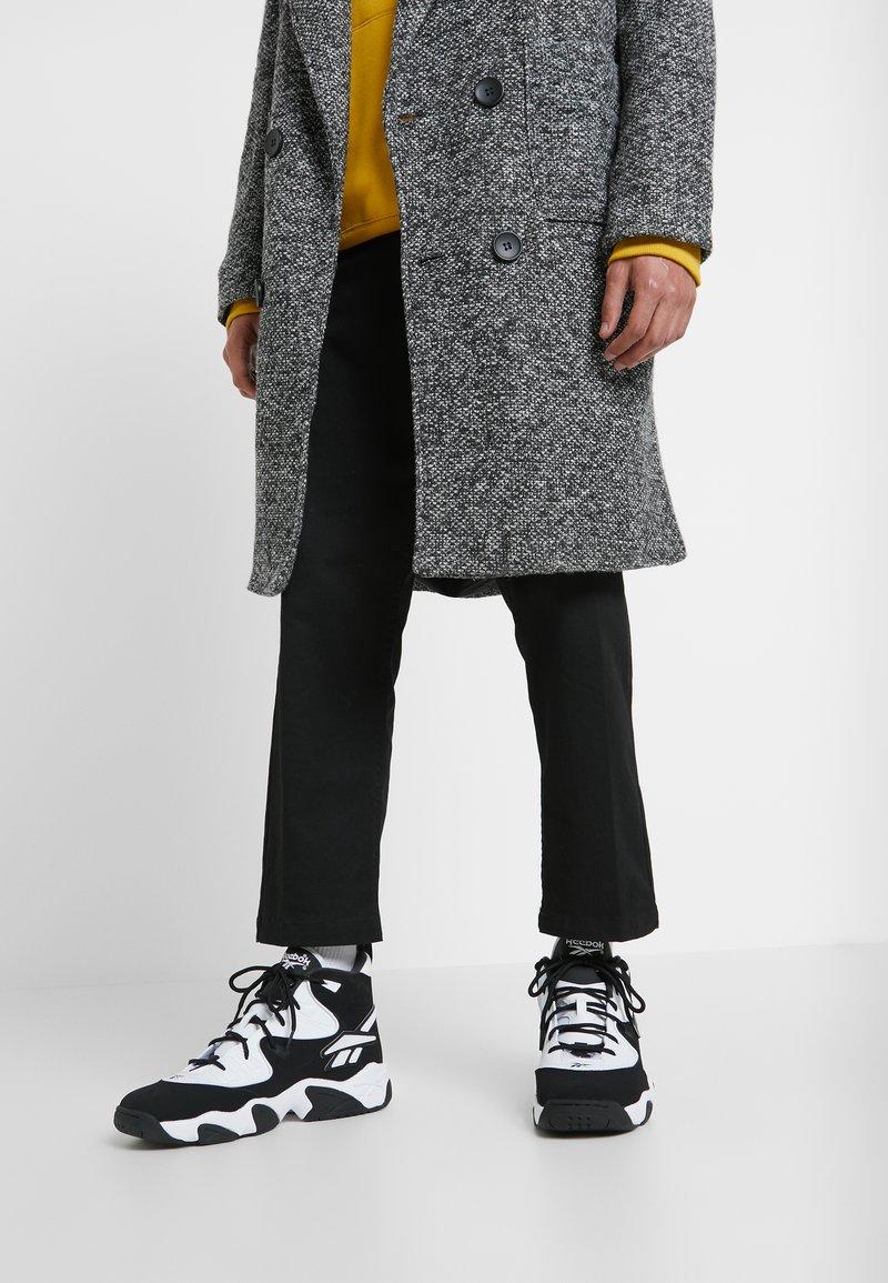 Reebok Classic - AVANT GUARD TRANSITION BRIDGE SHOES - Sneakers hoog - black/white/chalk