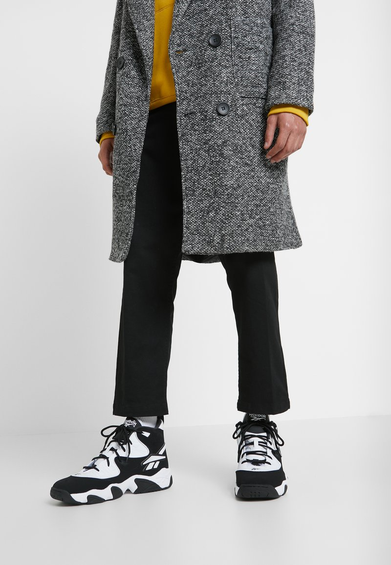 Reebok Classic - AVANT GUARD TRANSITION BRIDGE SHOES - Sneakers high - black/white/chalk