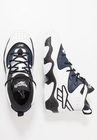 Reebok Classic - AVANT GUARD TRANSITION BRIDGE SHOES - High-top trainers - black/white/collegiate navy - 1