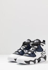 Reebok Classic - AVANT GUARD TRANSITION BRIDGE SHOES - High-top trainers - black/white/collegiate navy - 2