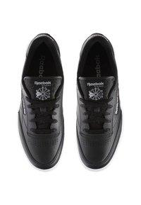 Reebok Classic - CLUB C 85 - Sneakers - intense black/white-gum - 1