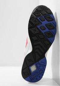 Reebok Classic - AZTREK - Sneakers - grey/acid pink/royal - 4