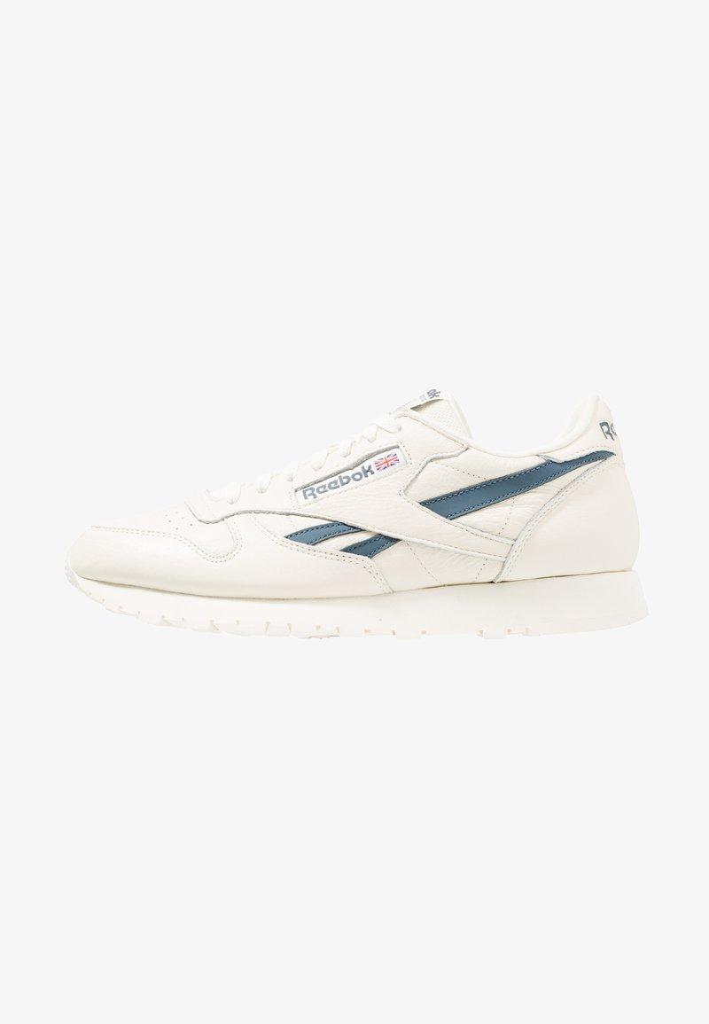 Reebok Classic - CL LEATHER MU - Trainers - classic white/blue hills