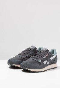 Reebok Classic - Sneakers laag - true grey/teal fog - 2