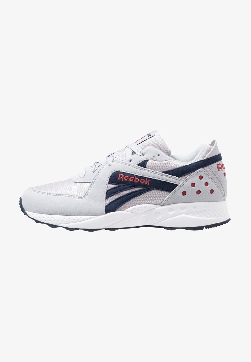 Reebok Classic - PYRO - Sneakers laag - cold grey/navy/red/white
