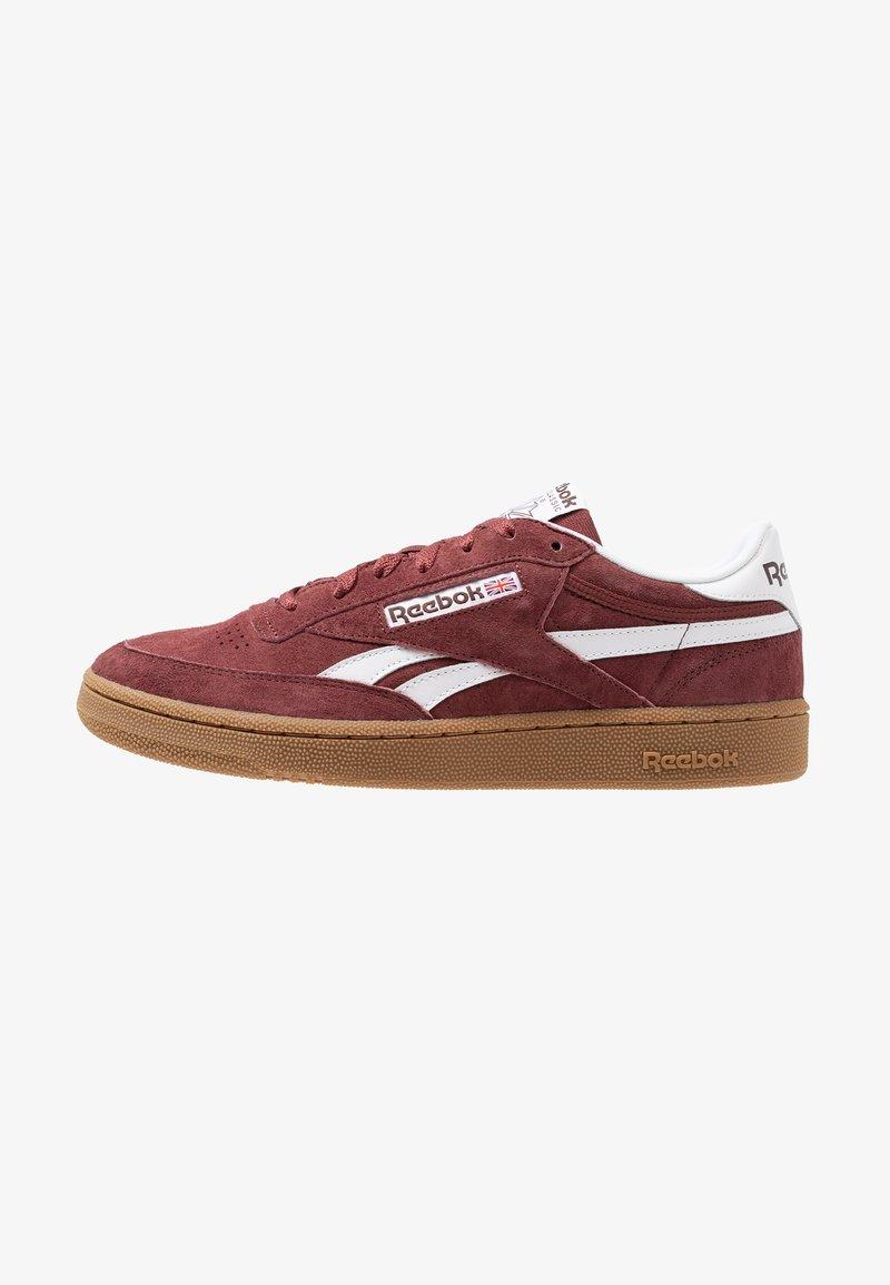 Reebok Classic - REVENGE PLUS - Sneaker low - mineral dust/lush/white