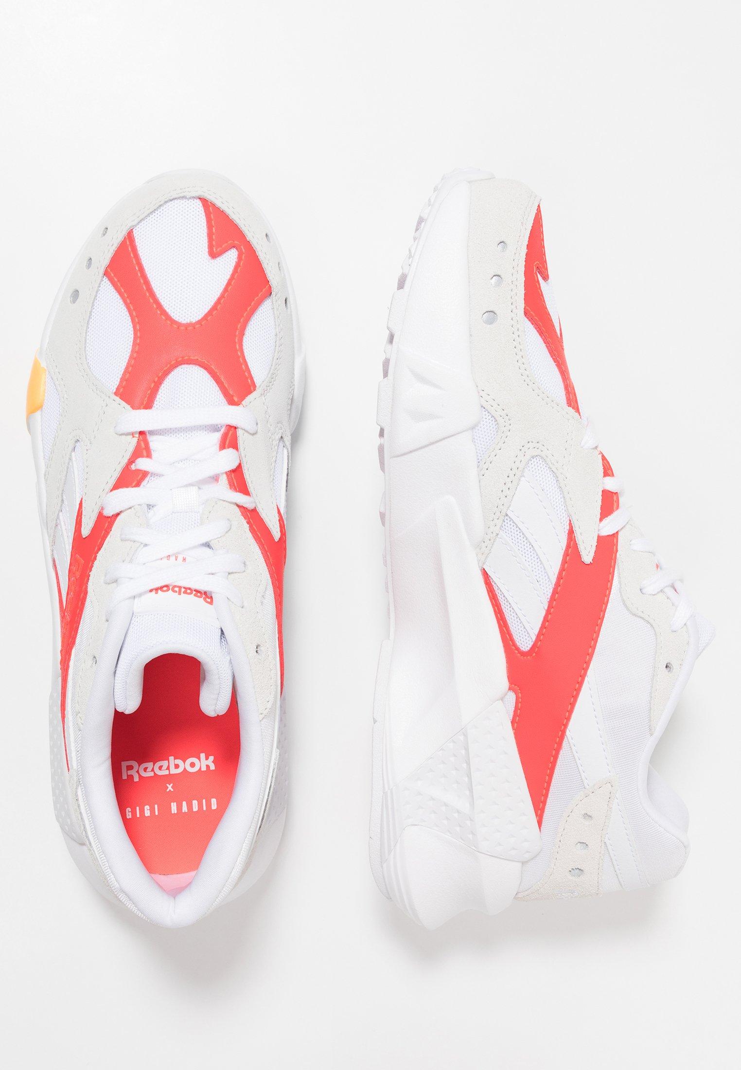 Reebok Classic AZTREK X GIGI HADID - Sneakers basse - white/true grey/red/gold