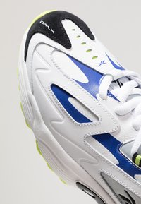 Reebok Classic - DMX SERIES 1200 - Tenisky - white/cloud grey/blue - 8