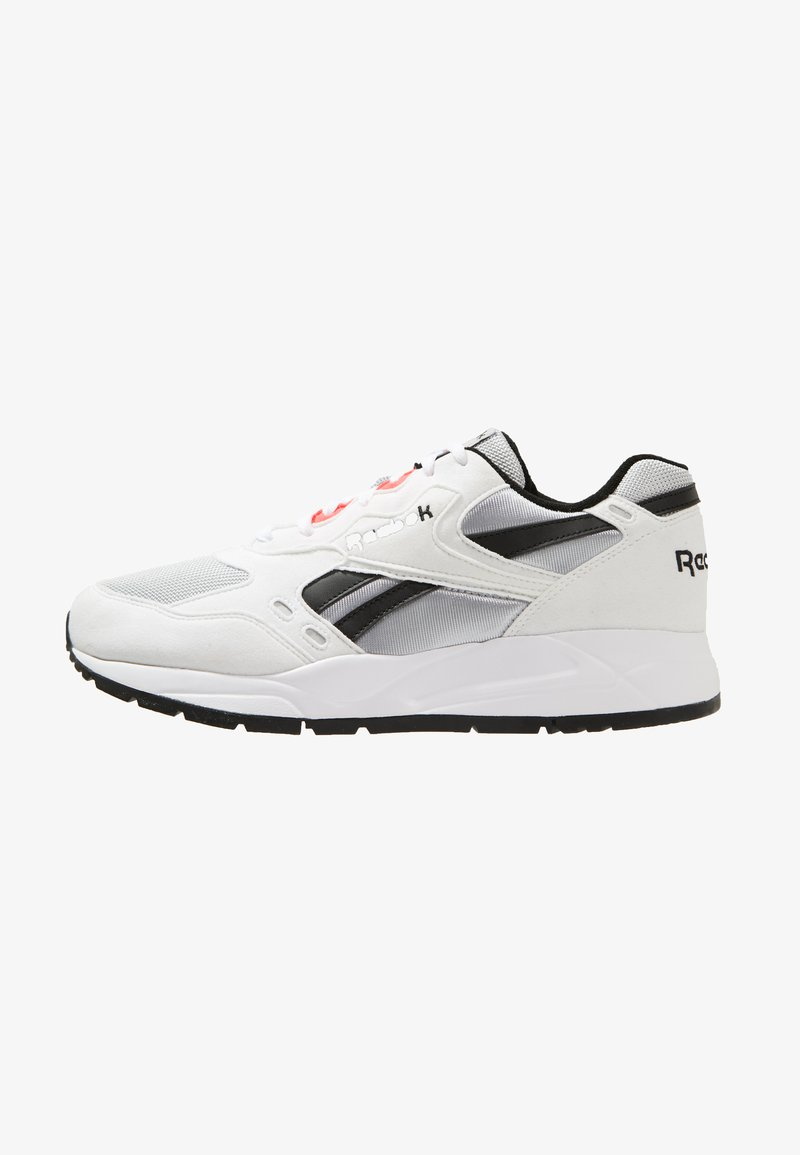 Reebok Classic - BOLTON ESSENTIAL - Sneakers laag - white/skull grey/black