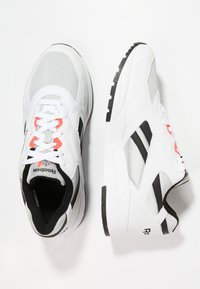 Reebok Classic - BOLTON ESSENTIAL - Trainers - white/skull grey/black - 1