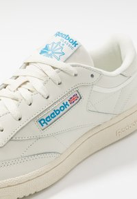 Reebok Classic - CLUB C 85 - Tenisky - chalk/paperwhite/cyan - 6