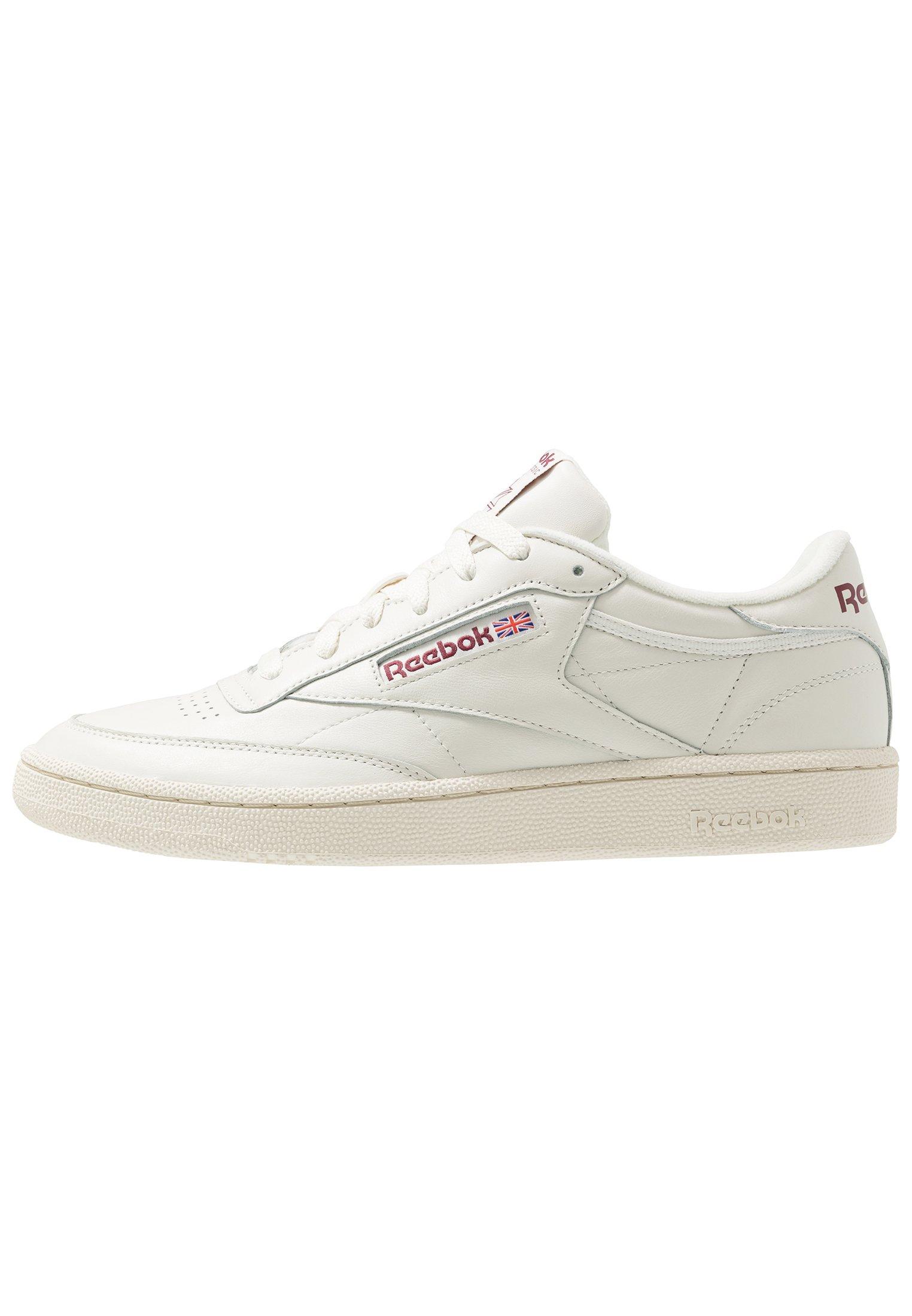 CLUB REVENGE Sneakers laag chalkvector redtrue grey
