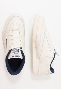 Reebok Classic - CLUB C 85 - Sneakers laag - chalk/paperwhite/navy - 1