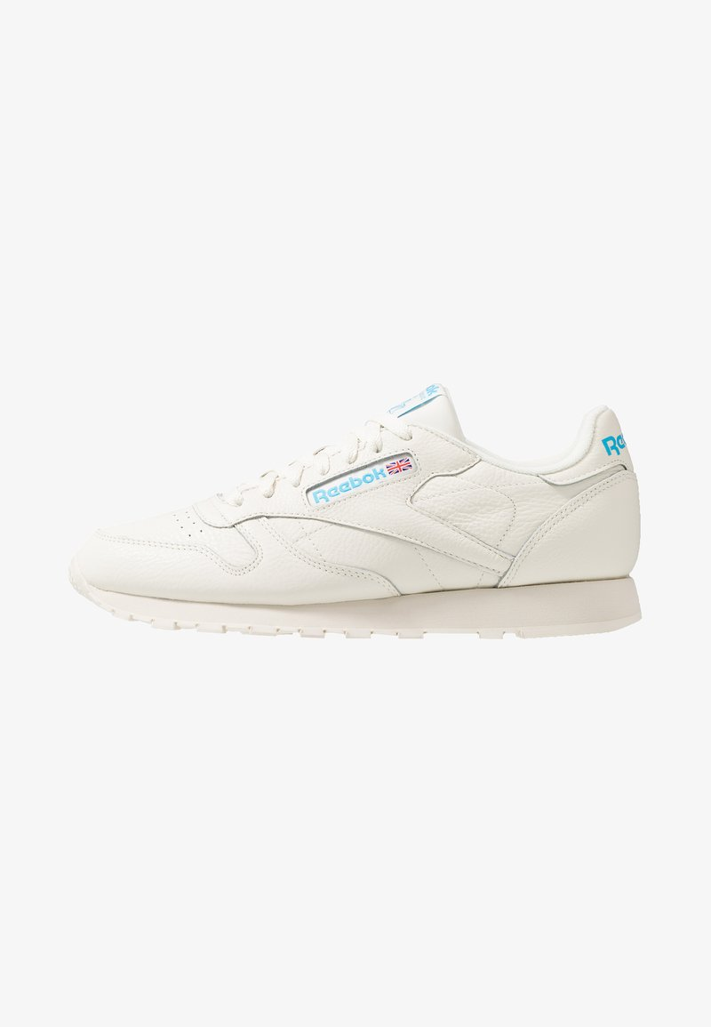Reebok Classic - CLUB C 85 LEATHER UPPER SHOES - Trainers - chalk/paperwhite/cyan