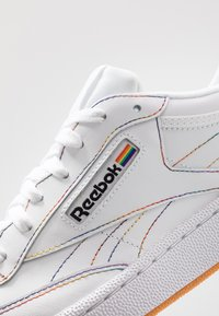 Reebok Classic - CLUB C 85 LEATHER UPPER SHOES - Trainers - white/emerald/cobalt - 5