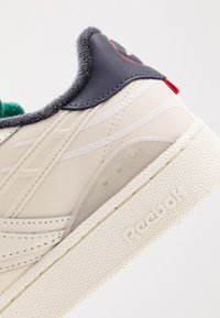 Reebok Classic - CLUB C RC 1.0 LIGHT TENNIS STYLE SHOES - Sneakers - chalk/skull grey/heritage navy - 5
