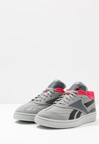 Reebok Classic - CLUB C RC 1.0 LIGHT TENNIS STYLE SHOES - Zapatillas - true grey/black - 2