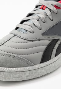 Reebok Classic - CLUB C RC 1.0 LIGHT TENNIS STYLE SHOES - Zapatillas - true grey/black - 5