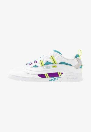 WORKOUT PLUS 3.0 SHOES - Sneaker low - white/regal purple/skull grey