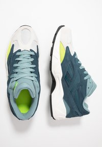 Reebok Classic - AZTREK 96 - Sneakers - true grey/blue hills/teal - 1