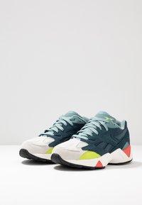 Reebok Classic - AZTREK 96 - Sneakers - true grey/blue hills/teal - 2