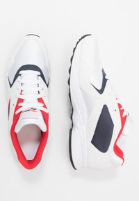 Reebok Classic - TORCH HEX LIGHT BREATHABLE SHOES - Joggesko - white/navy/red/black - 1