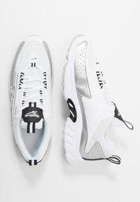 Reebok Classic - DMX SERIES 2K LIGHT BREATHABLE SHOES - Sneakers basse - white/black/skull grey - 1