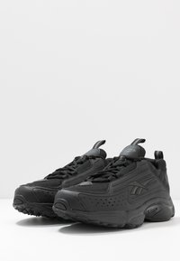 Reebok Classic - DMX SERIES 2K LIGHT BREATHABLE SHOES - Trainers - black/true grey - 2