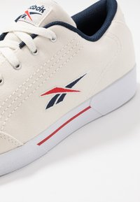 Reebok Classic - SLICE - Trainers - chalk/coll navy/red/white - 5