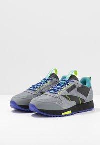 Reebok Classic - CLASSIC LEATHER RIPPLE TRAIL MUD GUARD SHOES - Sneakers - true grey/mineral mist - 2