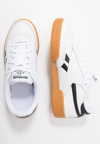 Reebok Classic - CLUB REVENGE - Zapatillas - white/black - 1