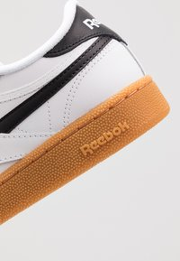Reebok Classic - CLUB REVENGE - Zapatillas - white/black - 5