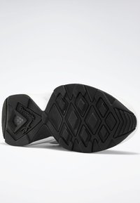 Reebok Classic - Sneakers laag - white - 4