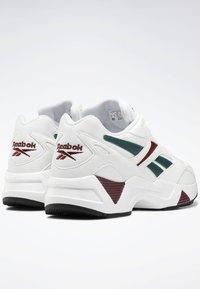 Reebok Classic - Sneakers laag - white - 3