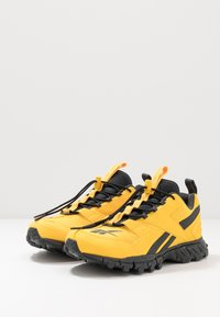 Reebok Classic - DMXPERT - Trainers - toxic yellow/cold grey - 2