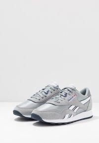 Reebok Classic - CL - Sneakersy niskie - panton - 2