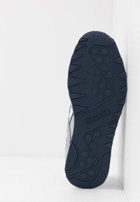 Reebok Classic - CL - Sneakersy niskie - panton - 4