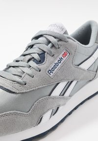 Reebok Classic - CL - Sneakersy niskie - panton - 6