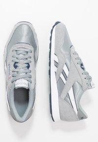 Reebok Classic - CL - Sneakersy niskie - panton - 1