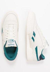Reebok Classic - CLUB C REVENGE  - Sneakers - chalk/collegiate navy/heritage - 1