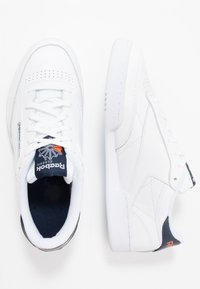 Reebok Classic - CLUB C 85 - Sneaker low - white/conavy/fire orange - 1