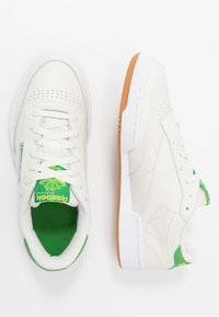 Reebok Classic - CLUB C 85 - Zapatillas - chalk/yellow/white - 1